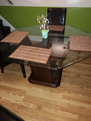 Dinner Table 8 Sides Type