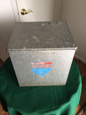 Vintage galvanized milk box and five bottles