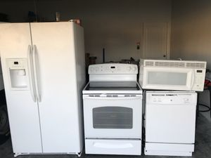 Appliances sets General Electric like new!!