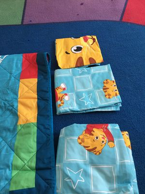 Bed set for baby boys or toddlers