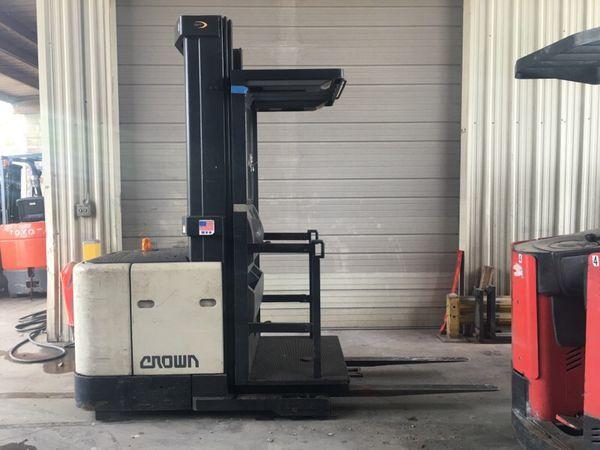 Crown order picker/ forklift / forklifts (Business Equipment) in ...