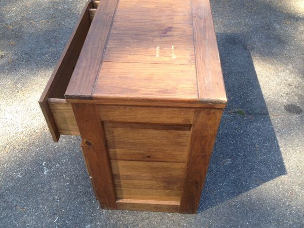 Wood dresser solid wood furniture in everett wa offerup for Furniture in everett