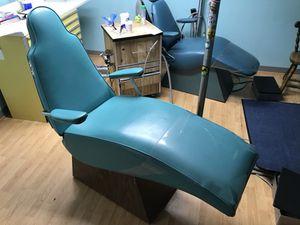 3 Dental/Tattoo Chairs + 1 seat