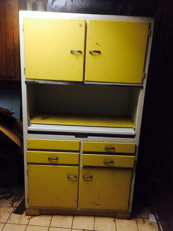 Antique kitchen cabinet antiques in chicago il offerup for Kitchen cabinets 60631
