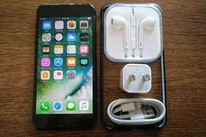 Iphone 7 {128GB} UNLOCKED {Black} Accessories included