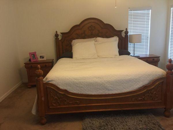 King size bedroom suit (Furniture) in Brandon, FL - OfferUp