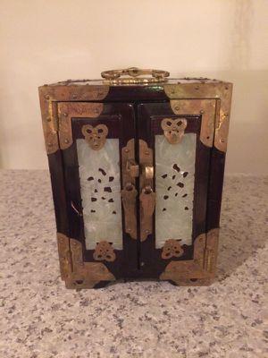 Vintage jewelry case