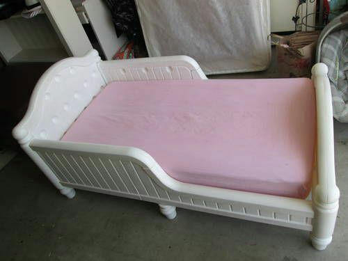 White Plastic Graco Toddler Bed