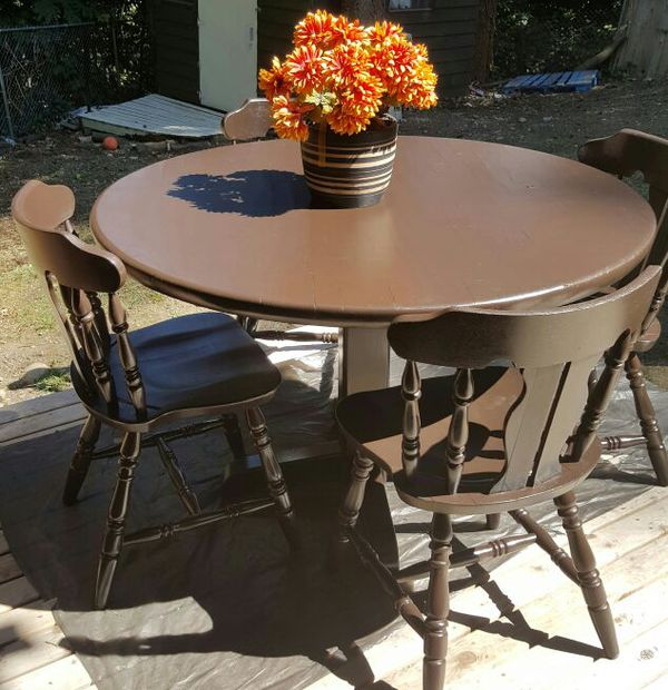 Table with 4 chairs furniture in federal way wa offerup for Furniture federal way