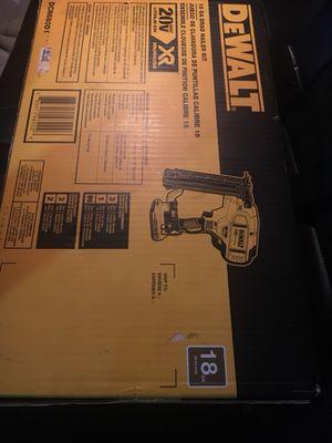 DEWALT 20v Max XR Brushless 18 GA Brad Nailer Kit DCN680D1
