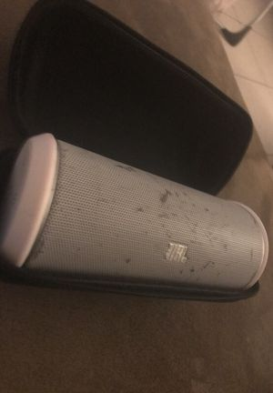 JBL Flip 2 Bluetooth Speaker w/ case