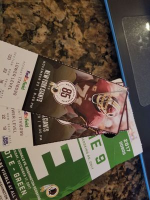 Redskins vs new York giants with parking pass