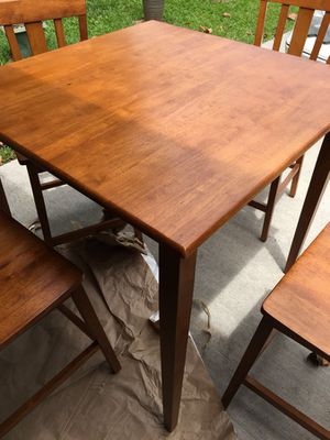 Almost New Wood Dining Table Set