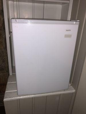 Sanyo mini-fridge