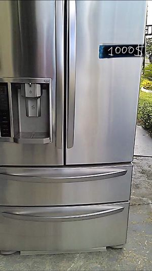 LG Refrigerator stainless steel, free delivery is accepted!