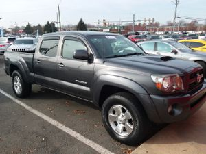 2011 Toyota tacoma double cab long bed v6 4wd