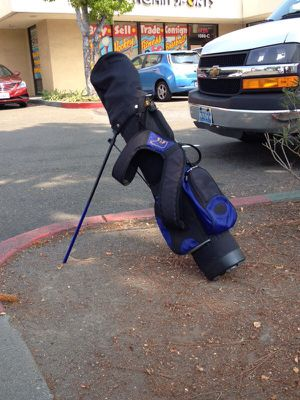 Junior Golden bear golf bag and clubs