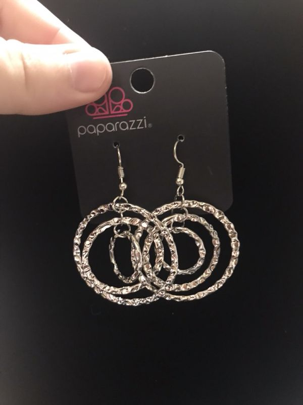 Beautiful paparazzi earrings (Jewelry & Accessories) in Morgan ...