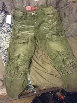 Cut pants size 32