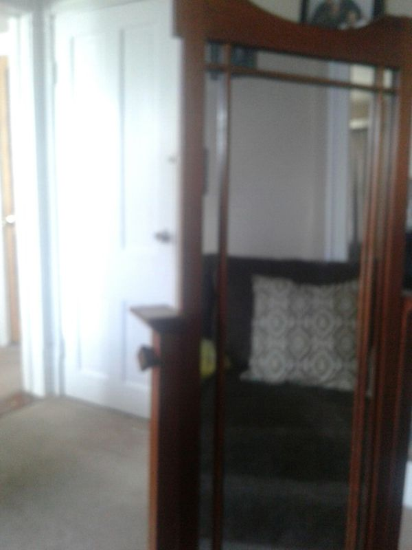 stand up vanity mirror  Furniture in Cleveland OH OfferUp