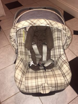 Eddie Bauer Infant Rear Facing Car Seat with Base