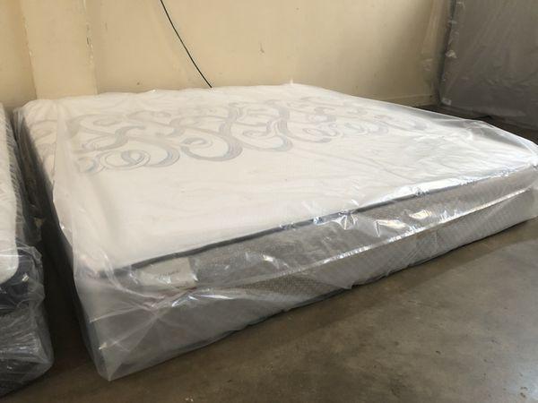 King Size Sealy Posturepedic Mattress Set Furniture In Maitland