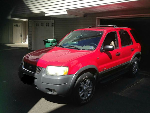all offers will be considered year 2001 ford escape 230 000 miles 2 000 0r best offer. Black Bedroom Furniture Sets. Home Design Ideas