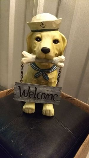 Solid Dog Welcome Sign