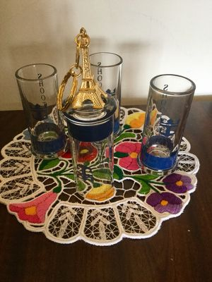 Shot glasses from France / Shooters - drinking glasses set of 4 from Paris - France 🇫🇷