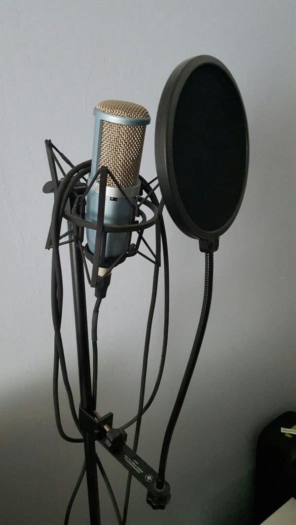 m audio speakers full studio equipment includes headphones akg michrophe and