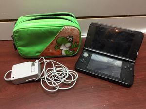 Nintendo 3DS w/ Charger & Case