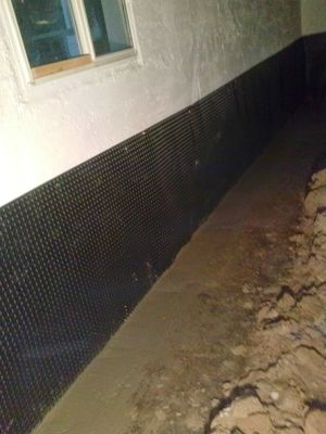 Si cele fintra la agua al sótano nosotros le podemos ayudar