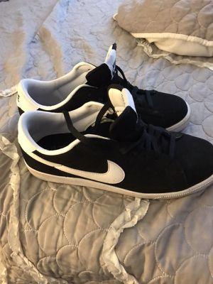 Nike shoes sz 10