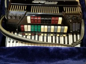 Antique accordian cordovox
