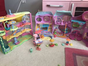 Littlest pet shop activity center with pet shops and accessories