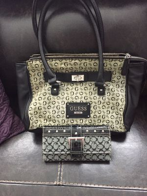 Authentic Guess purse little used