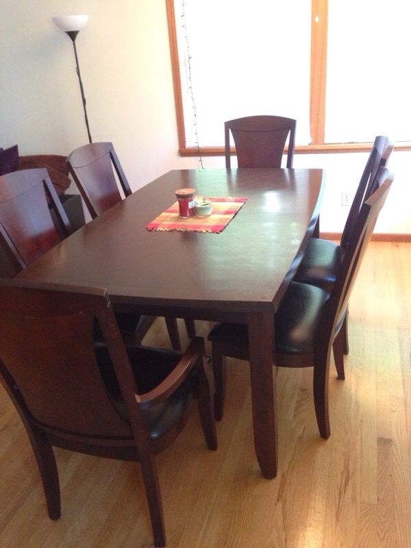 Dining room table furniture in seattle wa offerup for Furniture pick up seattle