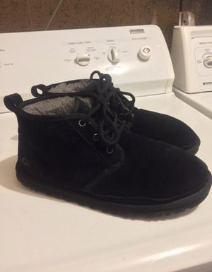 Mens Black Uggs Low send Offers Price is negotiable