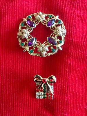 Holiday Pins - brooch for scarf / Accessories