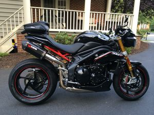 2013 Low Miles - Triumph Speed Triple R with ABS and Extras