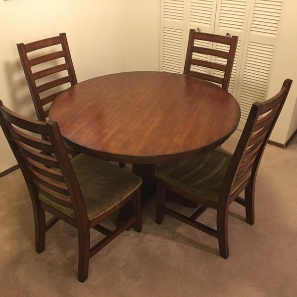 Dining room table and 4 chairs furniture in kirkland wa for 6 x dining room chairs