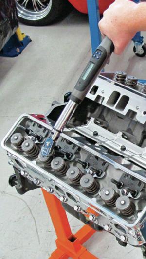 Reparación y reconstrucción de motor.. Rebuilding engines.