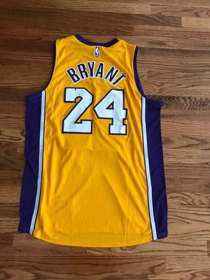 LA Lakers Bryant #24 EXTRA LARGE new!