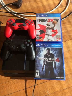PS4 500GB two games two controllers.