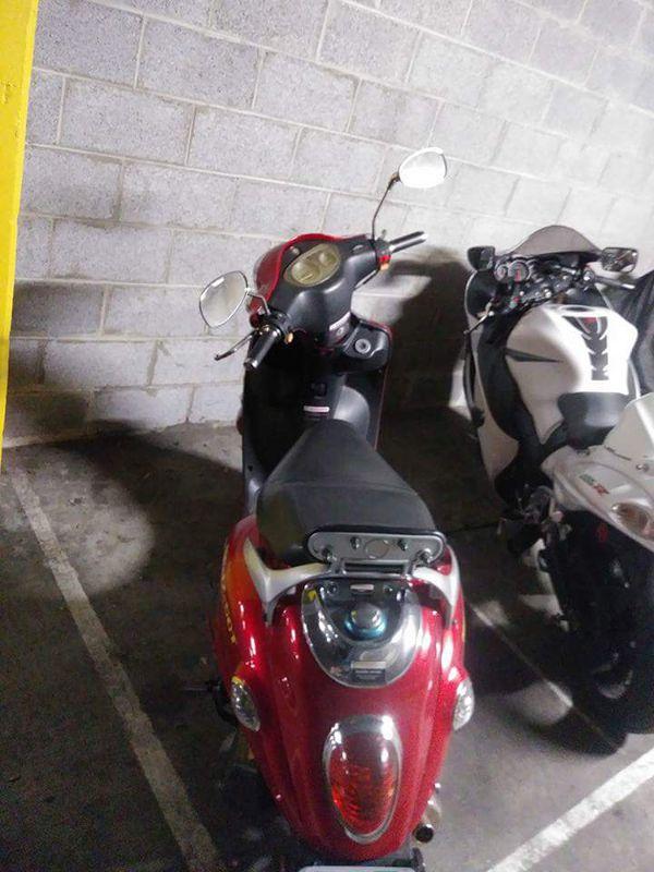 2008 Roketa Moped