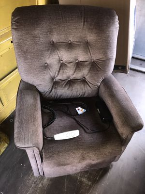 Pride Lift Chair Like New!