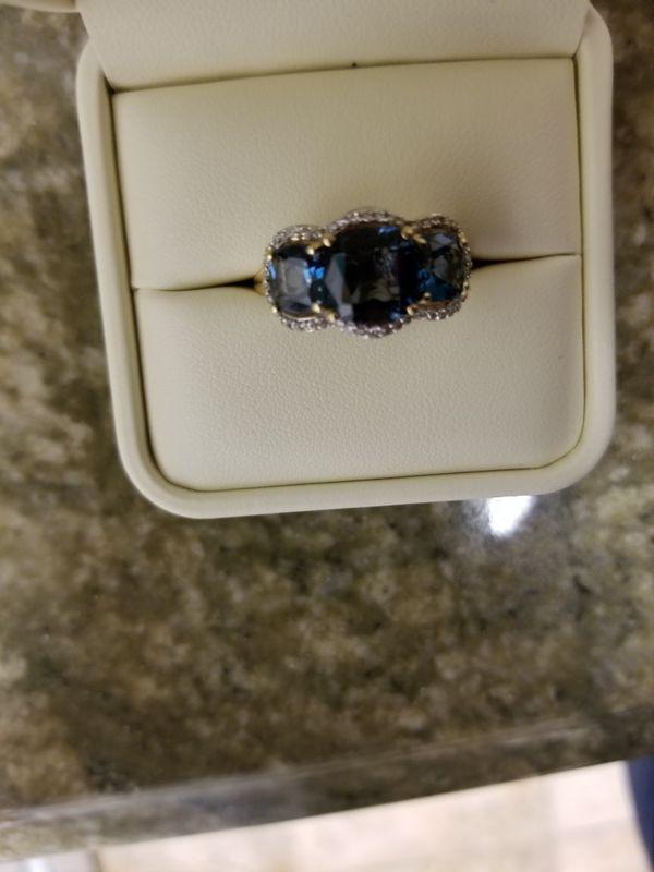 SMITHSONIAN London Blue Topaz White Diamond Ring Jewelry