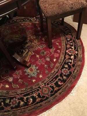 Round hand woven wool rug 7 feet across