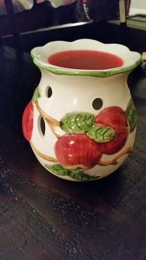 Ceramic apple tart warmer