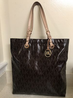 Michael Kors purse (Authentic)